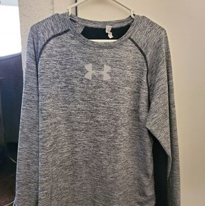 Mens under Armour long sleeve shirt. Size large